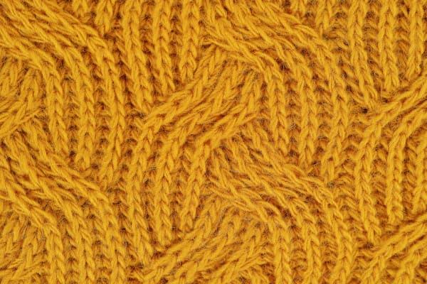 Bloquer un tricot pour révéler des torsades